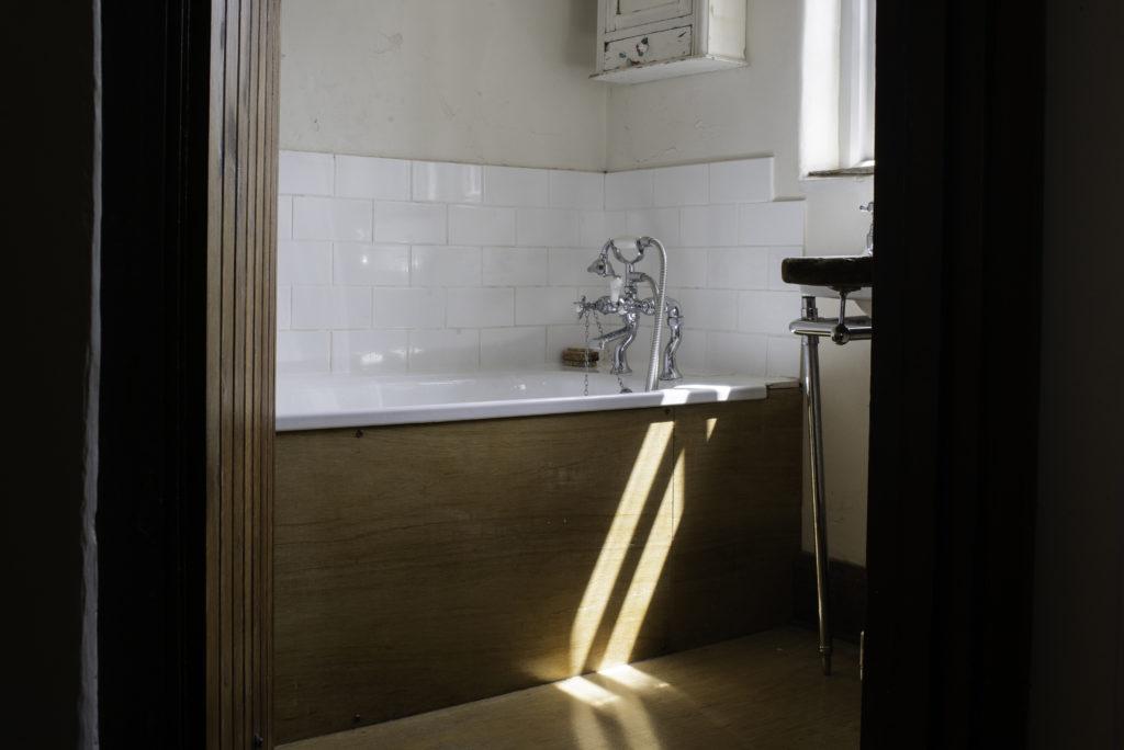 crackington haven bathroom
